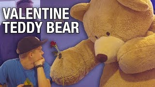 GIANT BEAR GIVES OUT VALENTINES