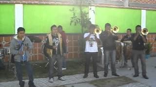Banda Tierra Mojada - El Avispon...