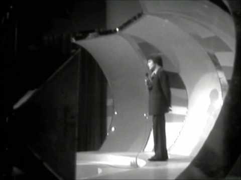 Massimo ranieri erba di casa mia 1973 youtube for Massimo ranieri erba di casa mia