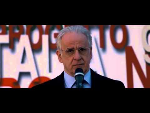 """Toni Servillo recita """"A chi esita"""" di Bertolt Brecht - dal film """"Viva la Libertà"""""""