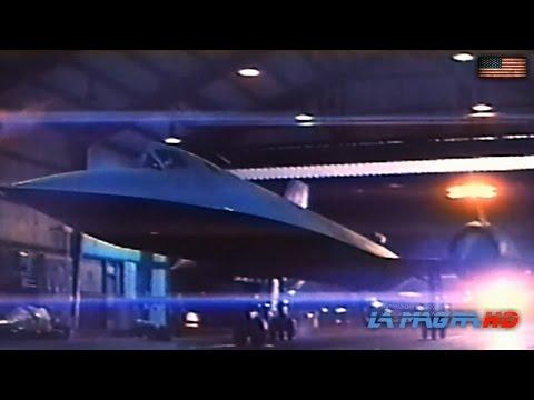 SR-71 Blackbird : Strategic Reconnaissance Aircraft - USAF [1080p]