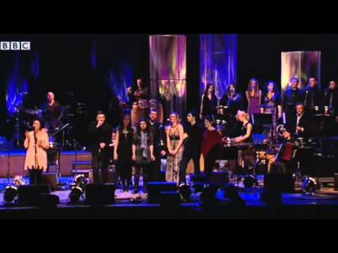 Ricky Ross & Loraine McIntosh - Sunshine on Leith (live, Glasgow, 2010)