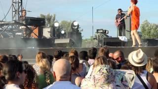 Emilie Chick - Weird Enough - Live au Pont du Gard 2012