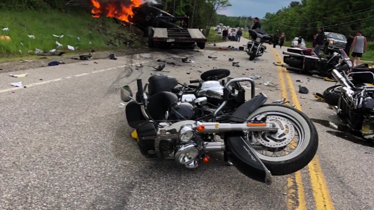7 killed in motorcycle crash were Marines - YouTube