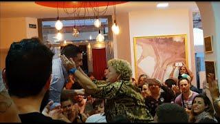 """Toni Piojo le canta a su madre el pasodoble """"Antes de hacer ..."""