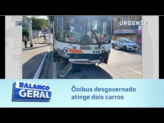 Faltou freio: Ônibus desgovernado atinge dois carros na Ladeira dos Martírios