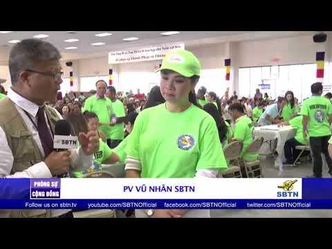 PHÓNG SỰ CỘNG ĐỒNG: Tâm tình của xướng ngôn viên Diệu Quyên trong ngày phát quà cứu trợ tại Houston