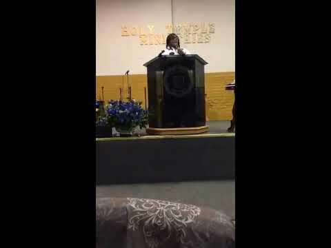 Prophetess Valerie Moore in Portsmouth, VA Emergency Breakthrough Crusade September 26, 2016