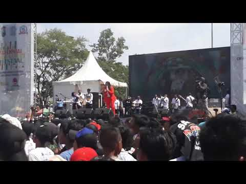 ricuh-penonton-via-vallen-di-jembatan-suramadu-terbaru-2019