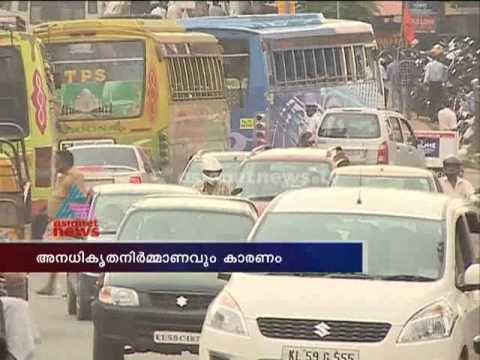 """road condition in kerala The contractor should be asked to fill up potholes as soon as they appear on the road without waiting for the entire road to be damaged, he said car """"one of the main reasons for the pathetic condition of roads is the lack of proper monitoring during by the engineers they should ensure quality of materials."""
