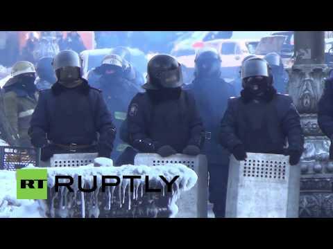 Ukraine: Maidan protest immortalised in oil on canvas