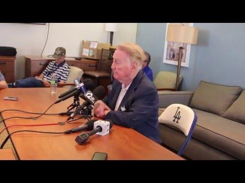 Vin Scully Addresses Media at Camelback Ranch | March 25, 2016