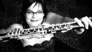 Jana Lahodná plays K. Husa- Three studies for clarinet solo, I mov