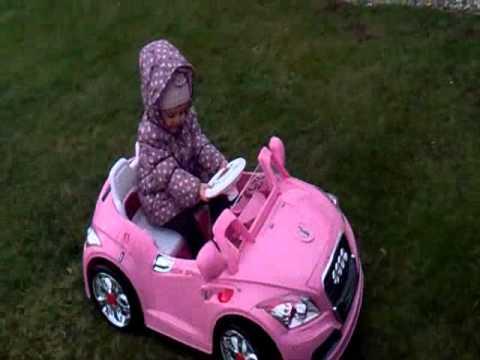 voiture rose pour petite fille
