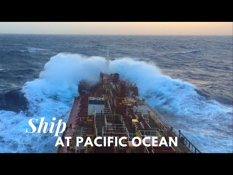 Life at Sea: Sailing with tanker at Pacific Ocean HD