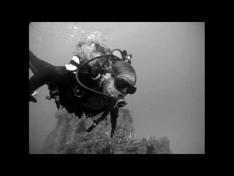 Diving the Ancient Mariner Wreck with Bruna and Joel