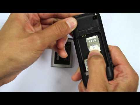 Samsung E1050 バッテリー、SIMカードの挿入