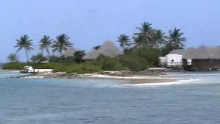 Мальдивы: остров с местными жителями(Местные жители на Мальдивах живут неплохо. Красиво живут! Смотрите оригинальные рассказы о путешествиях,..., 2013-04-02T05:06:29.000Z)