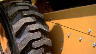 Cat® Skid Steer Loader | Drive Chain Adjustment & Chain Oil
