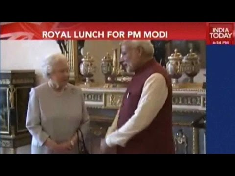 Modi Meets Queen Elizabeth For Lunch At Buckingham Palace