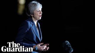 Difficult days ahead, says Theresa May after cabinet backs Brexit deal
