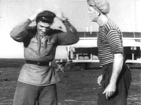 """Пётр Алейников в фильме """"Трактористы"""" (1939) (Савка)"""