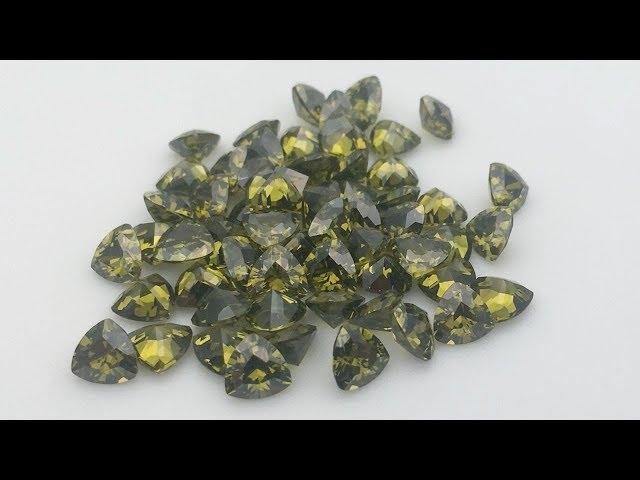 Cubic Zirconia Peridot color Trillion cut Gemstones China wholesale