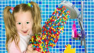 Eva Pretend play Hand Shower m&ms Story by Eva Surprise