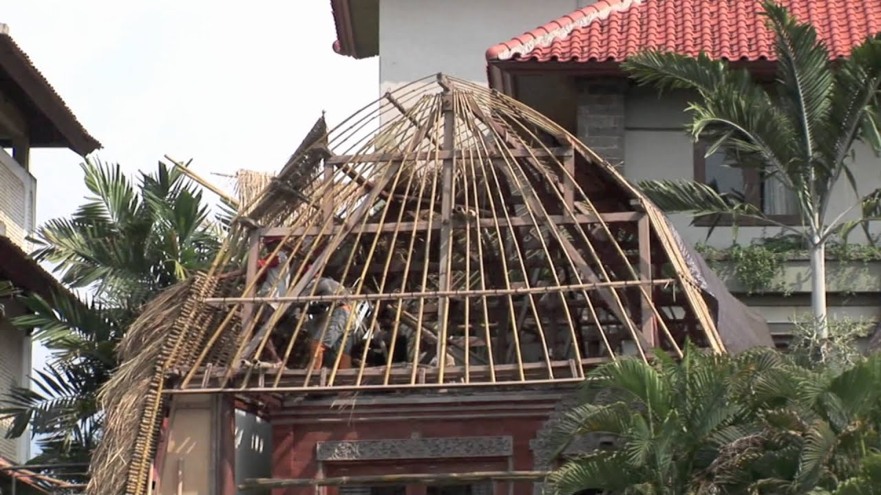 Bali How To Build A Straw Roof Youtube