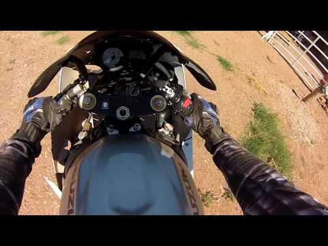 GSXR 1000 vs ZX-6R plus crash