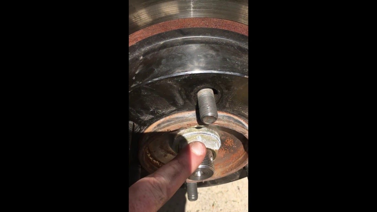How to: Replace CV Axle in the 3rd Gen (96-02) 4Runner and 1st Gen (95-04)  Tacoma