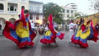 Traditional Colombian Dance in Cartagena | DiscoveringIce.com