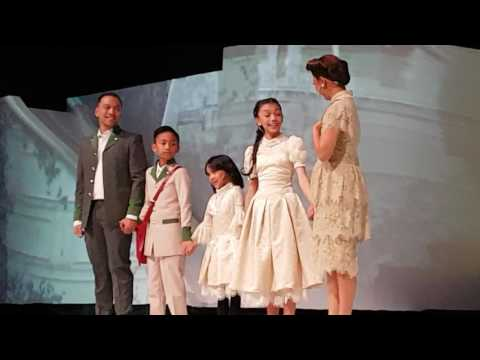 040217 Konser Dongeng 2 Naura: Naura with her family singing together