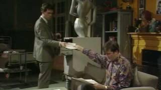 Шоу Фрая и Лори. Неуместный смех