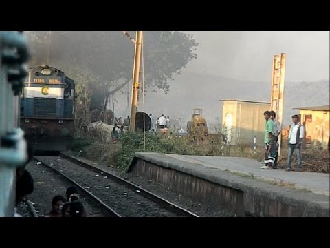 Rajkot Coimbatore Express Scares People At Vaitarna