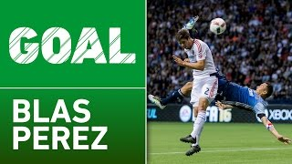 GOAL: Blas Perez scores a stunning bicycle kick