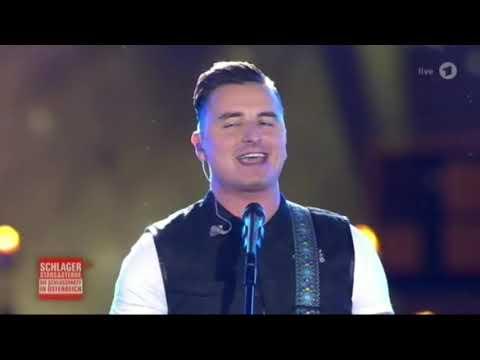 Andreas Gabalier - Verdammt lang her (Die Schlossparty in Österreich 2-6-2018)