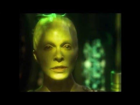 "Star Trek Voyager - Voyager & Sphere assault Borg Tactical Cube ""Unimatrix Zero Part 2"""