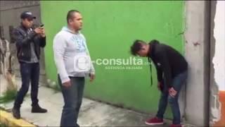 Cover images VIDEO: Vecinos de Loma Encantada detienen y golpean a presunto ladrón