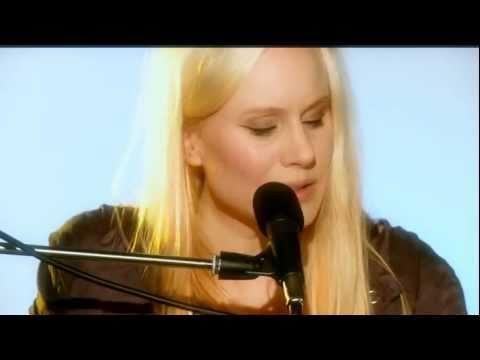 Susanna Wallumrød performs Jailbreak mp3