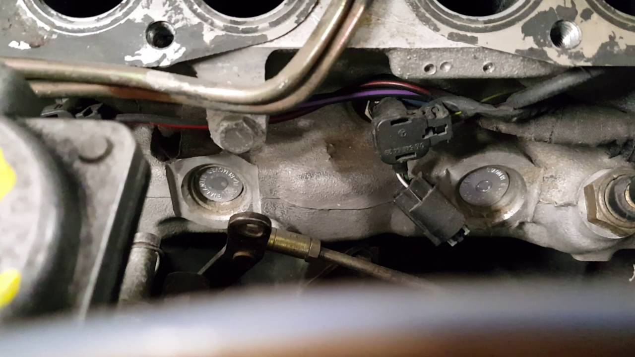 om606 w123 Throttle Linkage Setup