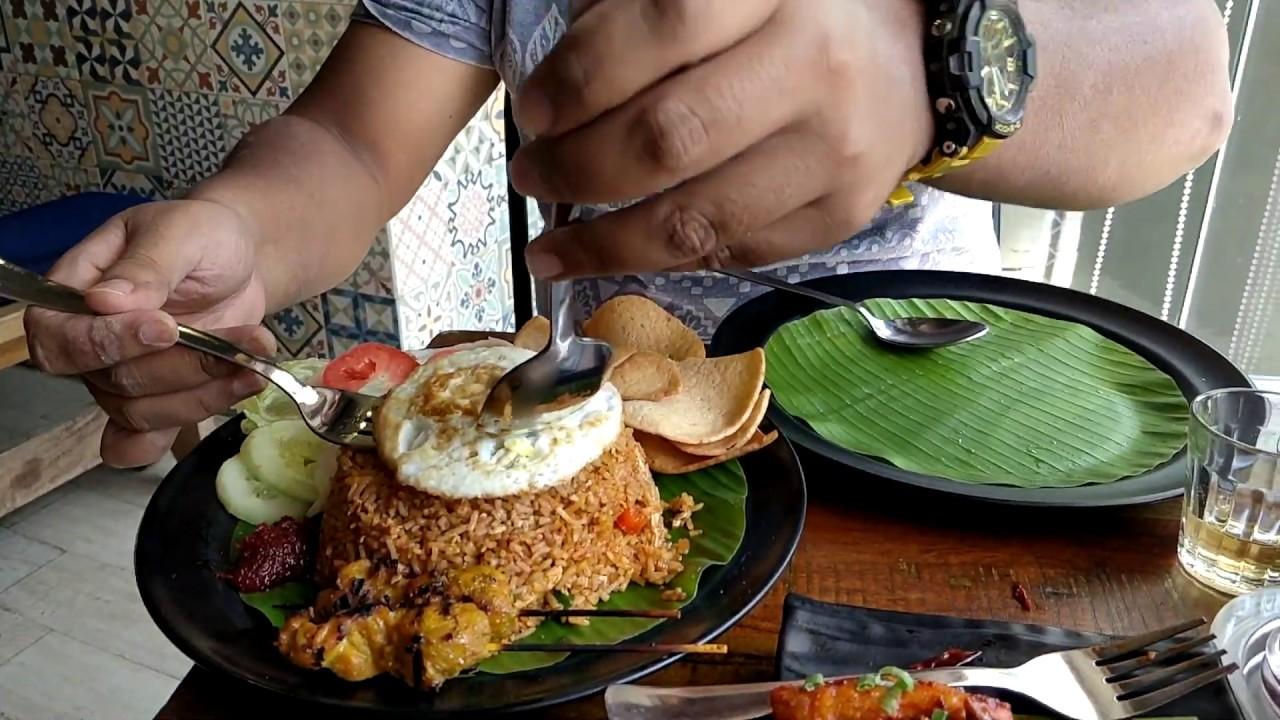 Nasi Goreng Fried Rice Satay Prawn Crackers N M Koramangala 4th Block Youtube