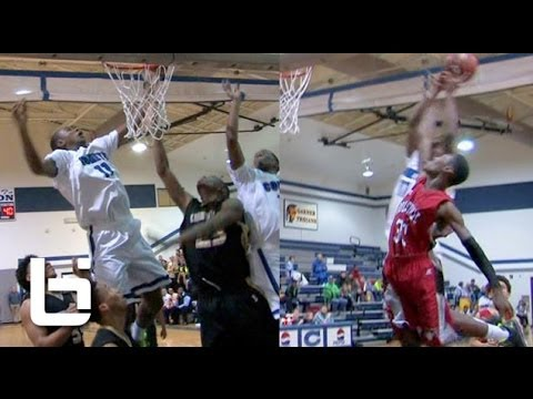 Gary Clark SMASHES on Defender Off the Bac...