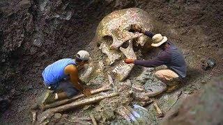 Нам не хотят говорить правду? Гигантский скелет человека. коп 2019