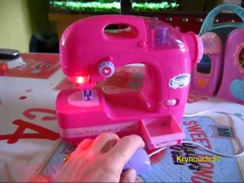 Machine à coudre rose enfant - YouTube