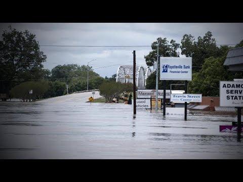 CBS - Colorado River flooding force Texans from their homes