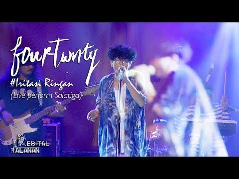 Fourtwnty - Iritasi Ringan (Official Resital Jalanan) live perform Salatiga