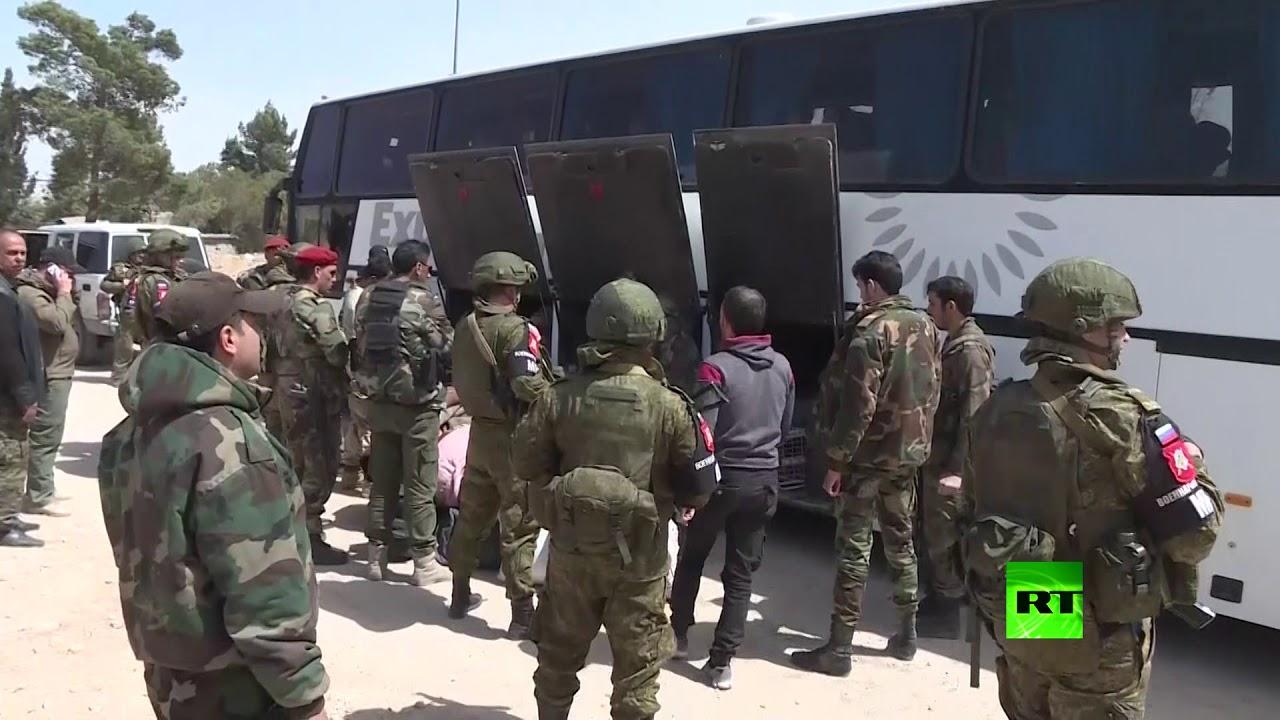 خروج المسلحين من بلدة عربين بالغوطة الشرقية
