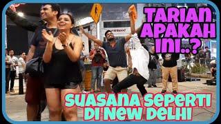Mereka menari atau bermain wau..Rasa seperti berada di New Delhi..Tetap menghiburkan semua penonton.