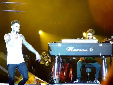 Maroon 5 - Jesse's Intro/Adam's Destruction - Meadowbrook US Cellular Pavilion 7.31.01